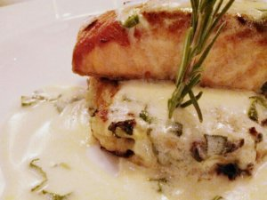 Grilled Salmon Fillet with dill in white sauce
